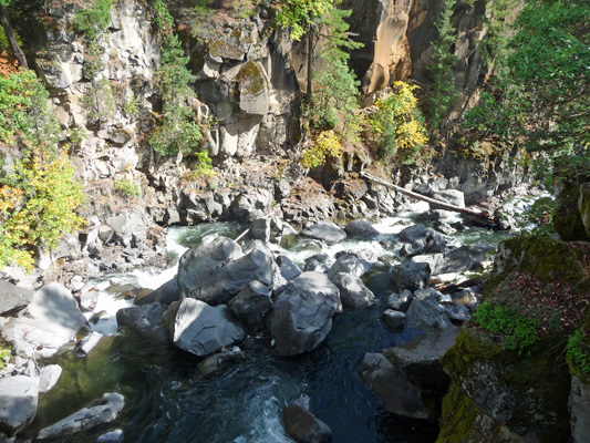 Large Boulders in Rogue River near Prospect Falls OR